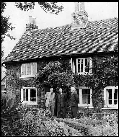 The Spinney Cottage at Bedfont in the late 1950's.